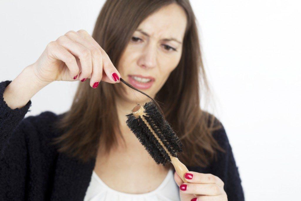 почему часто выпадают волосы