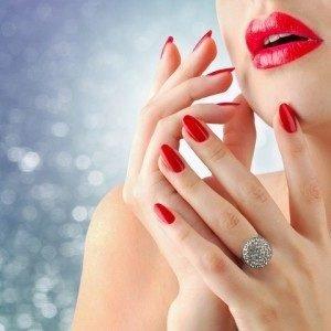 5 распространенных мифов о ногтях