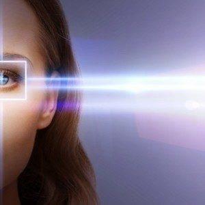 Офтальмолог убеждает, что линзы Ocumetics Bionic Lens революционизируют коррекцию зрения