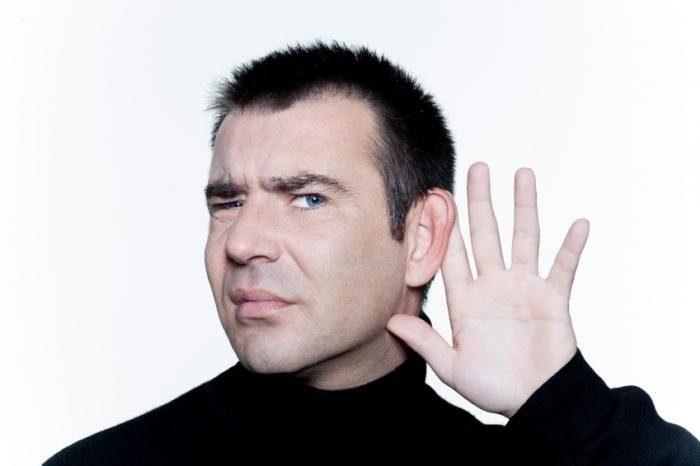 Человек-жесты-что-он-не-слышу-правильно