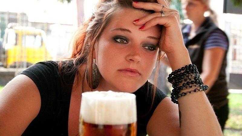 Алкоголь – яд для человека в любых количествах. Алкоголь в любых количествах – это яд