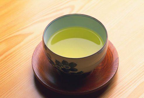 кружка с зеленым чаем