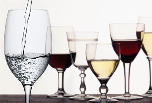 бокалы с спиртными напитками