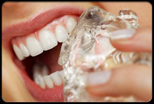 жевание льда разрушает зубы