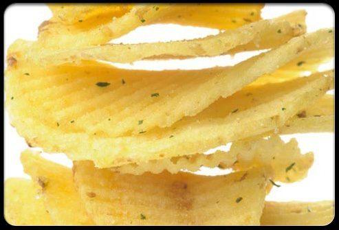 Картофельные чипсы разрушают зубы