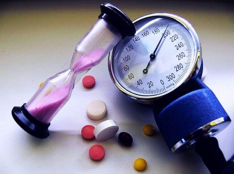 arterialnaya-gipertenziya-ili-gipertoniya-prichiny-i-faktory-riska