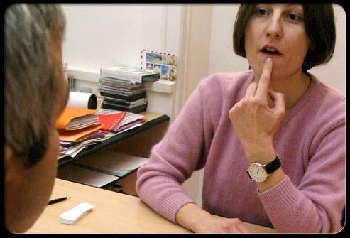 Реабилитация после инсульта: лечение нарушений речи