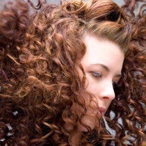Выпадение волос у женщин: причины и решение проблемы
