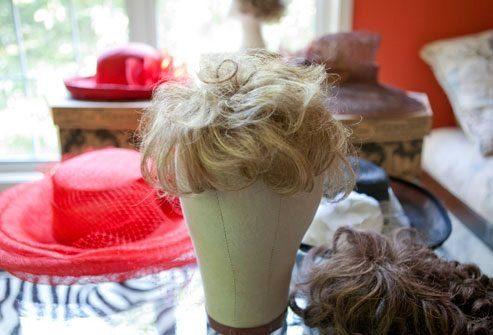 Как скрыть значительное выпадение волос?
