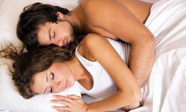 Прочтите доступный в сети материал о тонусе матки и сексе во время беременности.