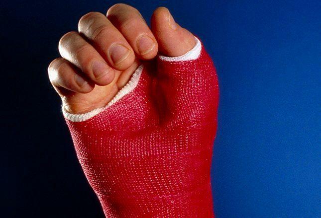 Обследование травмы при падении на вытянутую руку