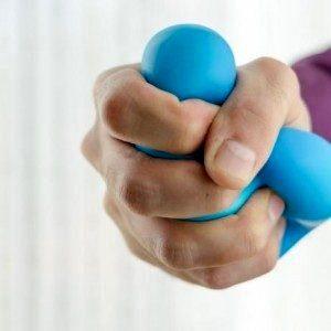 Терапия стволовыми клетками восстановила движения руки и кисти у парализованного человека