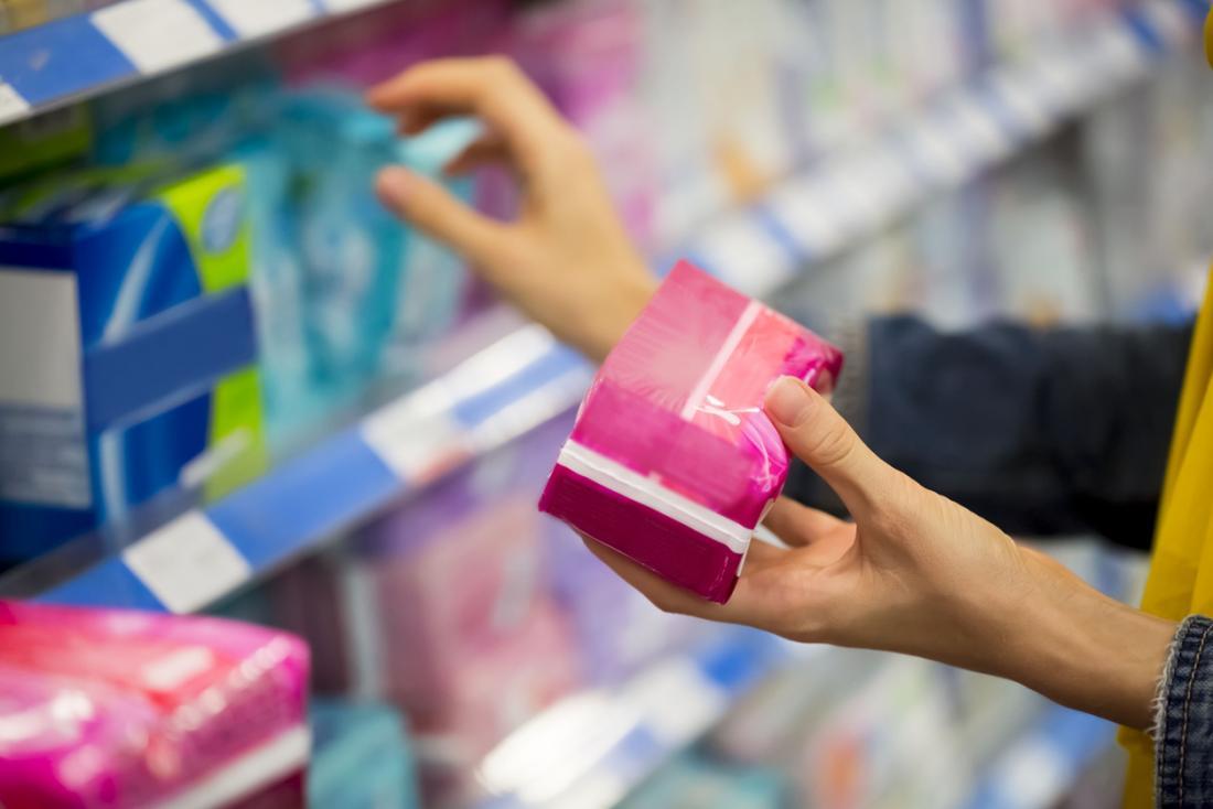 Простые шаги по профилактике грибковой инфекции могут включать отказ от ароматизированных тампонов и прокладок.