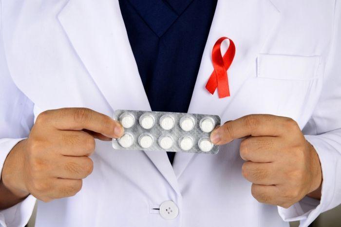 Украина переходит на рекомендованную ВОЗ схему лечения ВИЧ «одна таблетка в день»