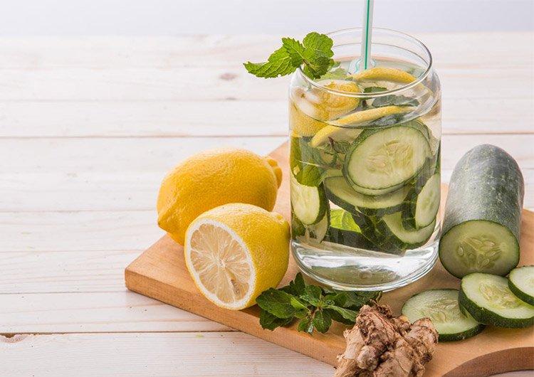 рецепт сасси лимон мята огурце в графине с водой