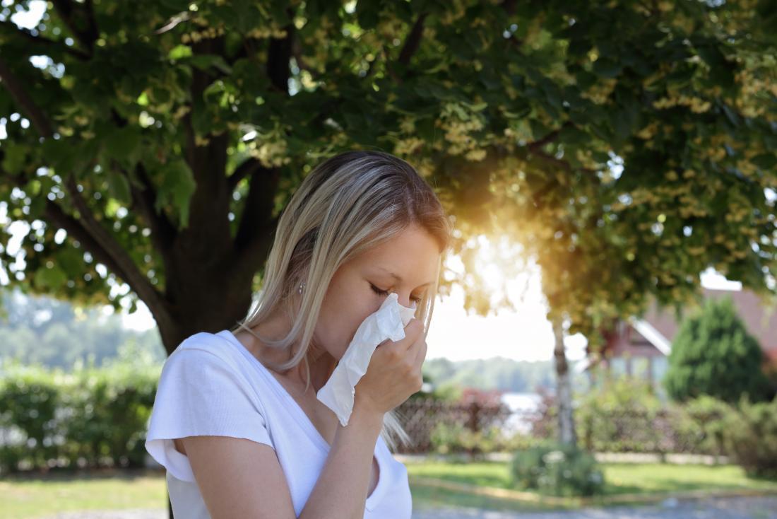 аллергия у девушки на пыльцу