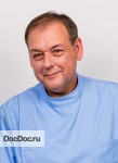 врач Филипп Дакремон