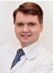 врач Емец Роман Николаевич