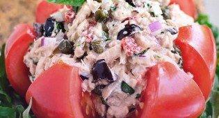 Салат из средиземноморского тунца, оливок