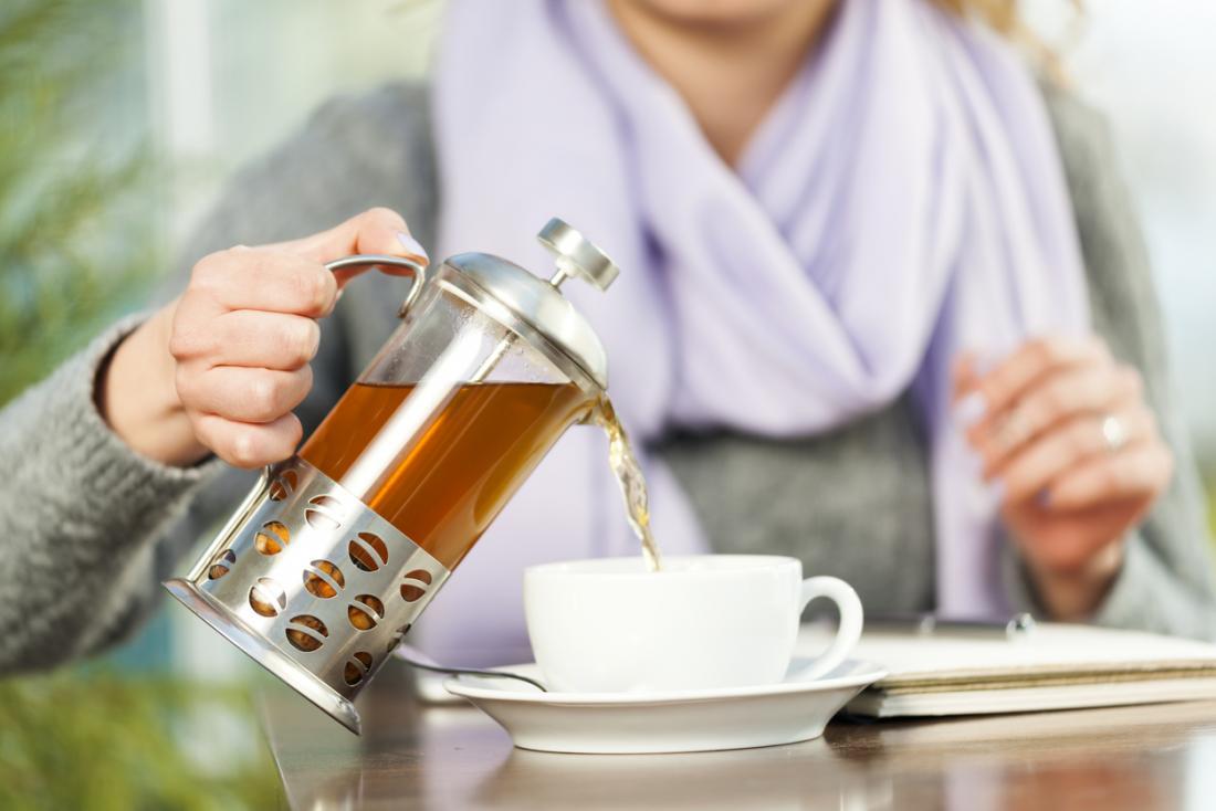 наливаем чай