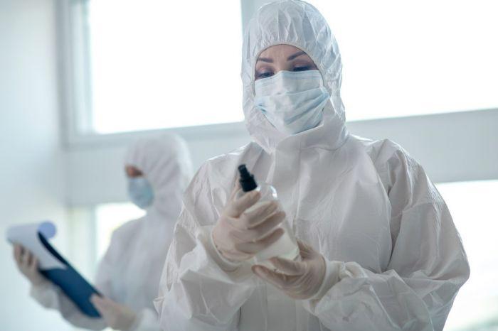 Российские врачи лечат COVID-19 препаратами с доказанной неэффективностью