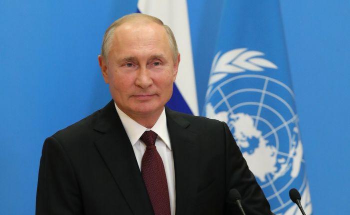 Владимир Путин предложил ввести «зеленые коридоры» для поставки лекарств и СИЗ в обход санкций