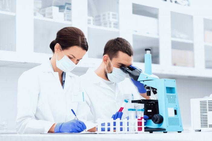 Главный инфекционист Москвы предложила включить в алгоритм обследований на COVID-19 анализ фекалий