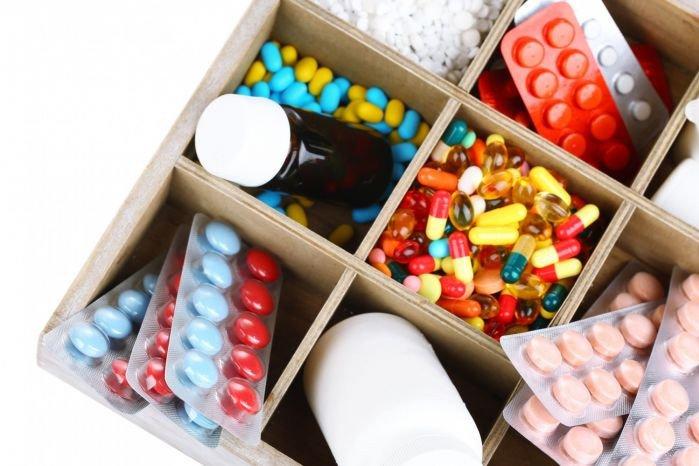 Правительство включило в Перечень ЖНВЛП три препарата для лечения COVID-19