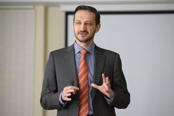 Главный инфекционист Минздрава заявил о неэффективности перчаток в борьбе с COVID-19