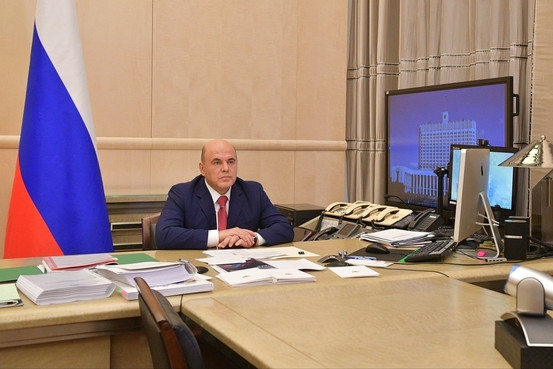 Премьер поручил организовать консультации больных с COVID-19 и доставку им лекарств на дом