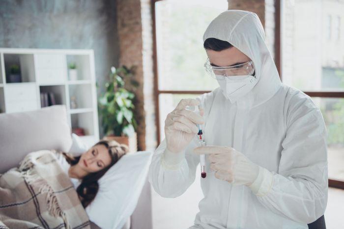 Минздрав признал бесполезным тестирование на COVID-19 перед госпитализацией